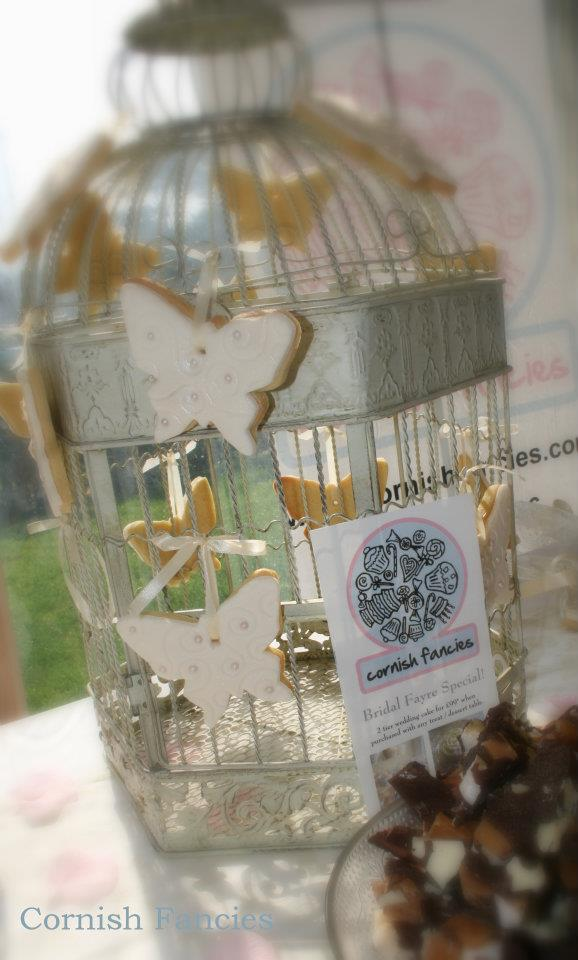 Birdcage with Lemon Butterfly Cookies