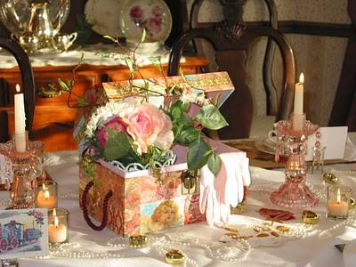 Beautiful Victorian Case for your Wedding Centrepiece