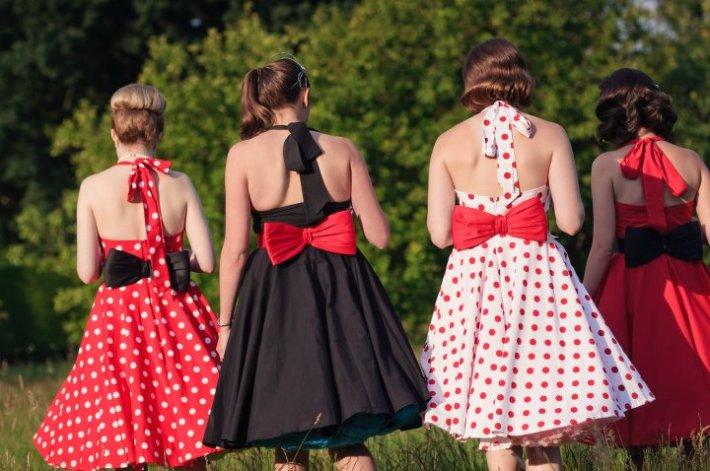 Oh my Honey! Beautiful Vintage Bridesmaid Dresses
